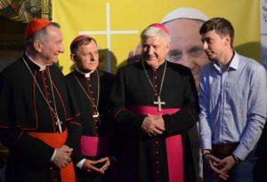 """Як відбувається історичний візит """"прем'єр-міністра"""" Ватикану до Запоріжжя - фото 21"""