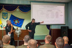 Risultati immagini per Італійські карабінери влаштували вишкіл українським нацгвардійцям