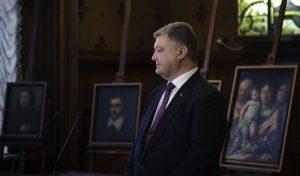 Risultati immagini per Порошенко в Італії передав вкрадені картини музею Верони