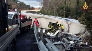 Risultati immagini per Liguria, tir travolge operai sulla A10: due morti