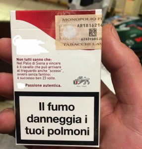 Risultati immagini per pacchetto di sigarette