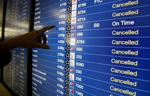Risultati immagini per volo aereo annullato