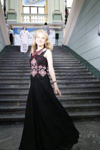 Risultati immagini per Дефіле освітян світу в сучасному українському вбранні від Дизайн студії «Sophie Maria Syedova».